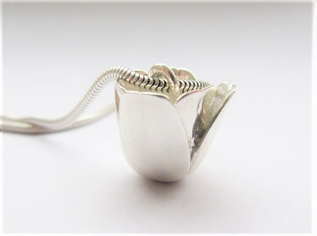 Tulip Pendant in Polished Silver