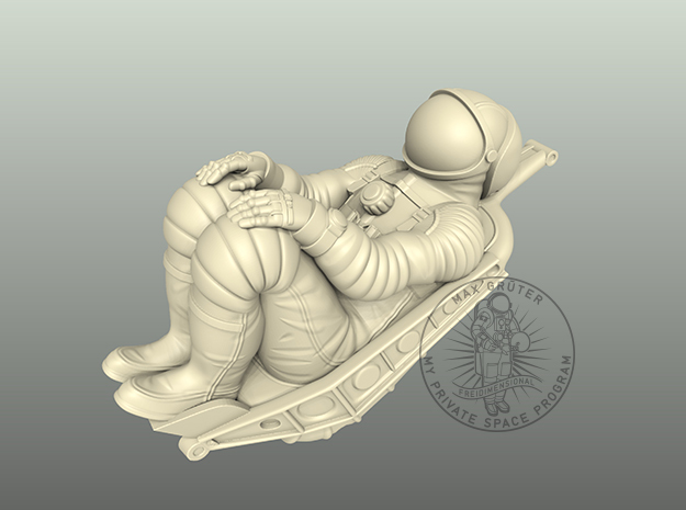 Soyuz Cosmonaut With Seat 1:24 / 1:48 in White Natural Versatile Plastic: 1:24