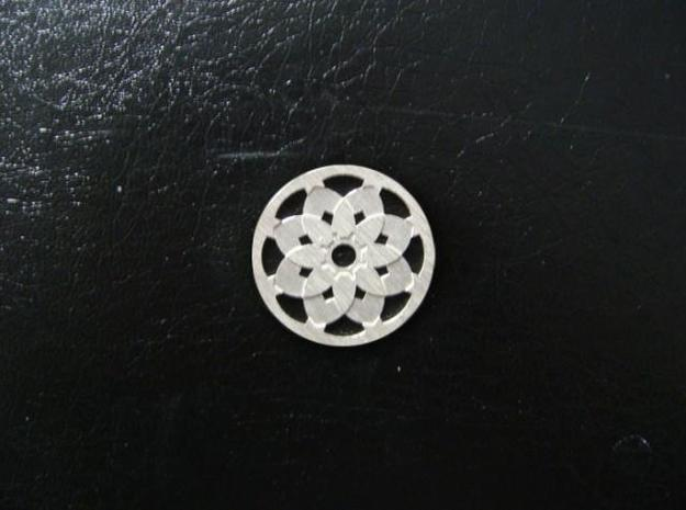 Round Pendant - Sixteen Petals in Natural Silver