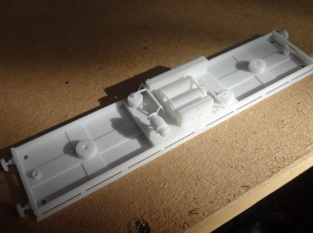 Metropolitan Railway Composite Chassis (412 & 368) in White Strong & Flexible