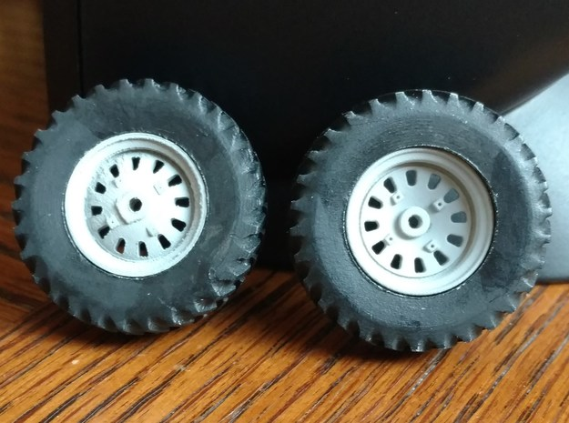 "1/64 Scale 42"" Red 86 88 Rear Cast Wheels & Tires in Smooth Fine Detail Plastic"