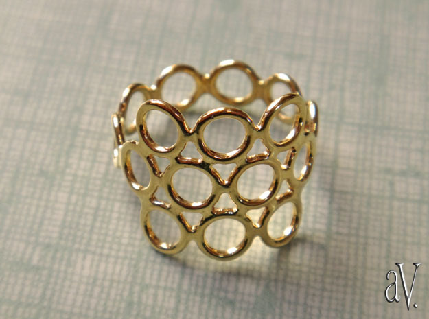Round Bee Open 3S Ring in 14k Gold Plated Brass: 8 / 56.75