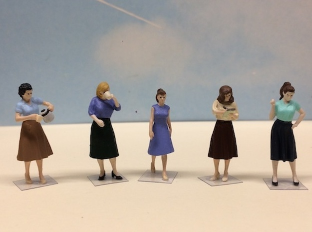 Female Standing Figures 1940's Set in Smoothest Fine Detail Plastic: 1:64 - S