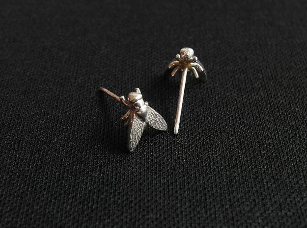 Fly Earring in Polished Silver