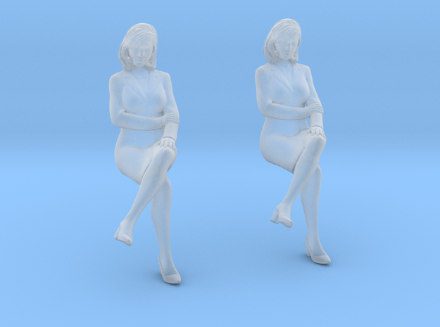 Patient Sitting Female in Smoothest Fine Detail Plastic: 1:64 - S