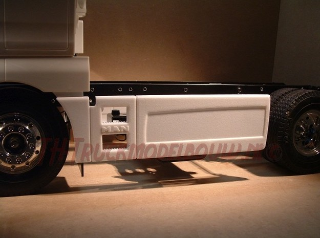 THM 01.2014-15 MAN side skirts in White Processed Versatile Plastic