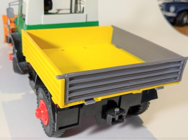 cargo bed left wall in Yellow Processed Versatile Plastic