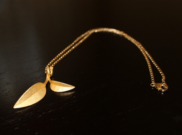 Green Tea Leaf Pendant in Polished Gold Steel