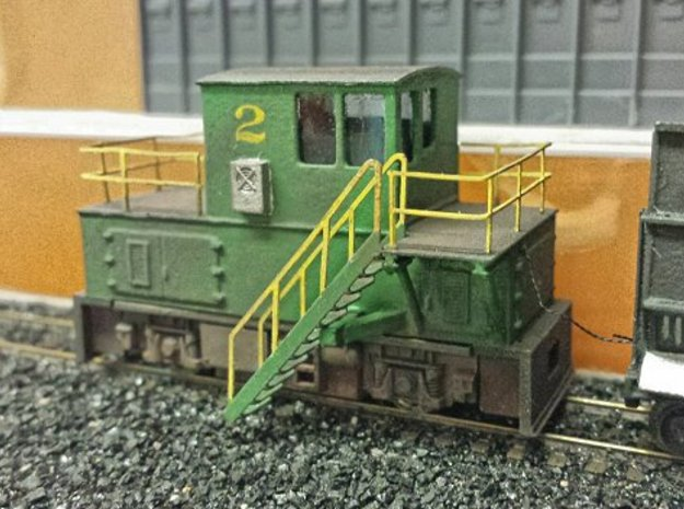 N-scale quench locomotive (RIGHT-hand version) 3d printed Prototype, ready for operation except for the couplers that I forgot to order... The wires to the quench car will be for extra power pickup as the 2-axled Tomix powertruck isn't the best runner. The prototype revealed fitment problems with the stairs whic