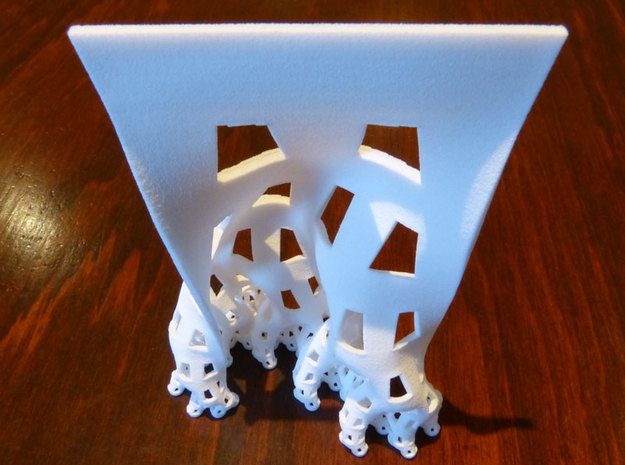 Developing dragon curve in White Natural Versatile Plastic