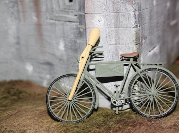 German Infantry Scout Bicycle w Panzerfausts - 1:1 3d printed