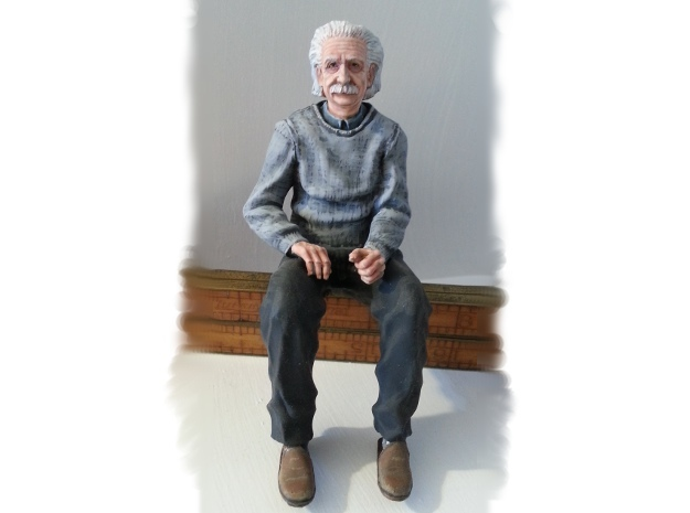 1:22.5 Albert Sitting in Smooth Fine Detail Plastic