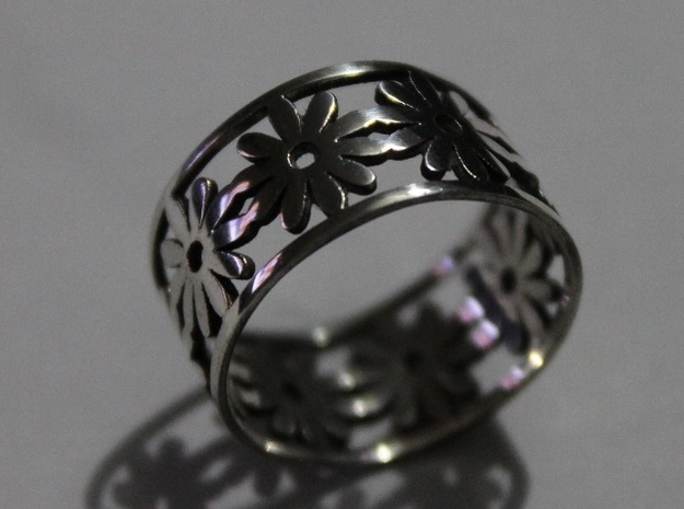 33 Daisy Ring V1 Ring Size 7.75 in Polished Silver