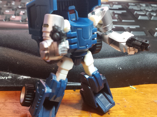 """""""MtMtE"""" Tubes head in Smooth Fine Detail Plastic"""