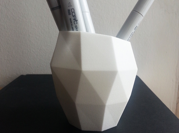 Pencil Mug / triangulated in White Natural Versatile Plastic