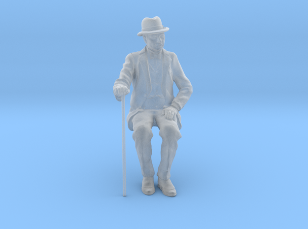 1:20 scale Plump Belgian sitting in Smooth Fine Detail Plastic
