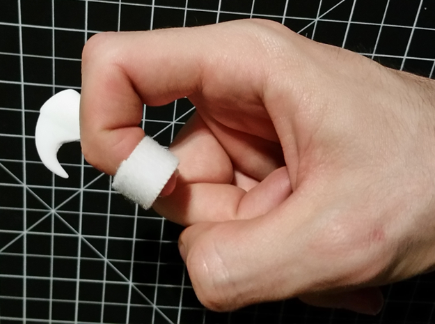 Wearable Cat Claw (Single Claw) in White Natural Versatile Plastic