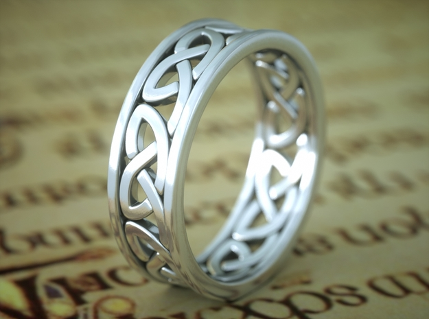 Celtic Ring 8 in Polished Silver