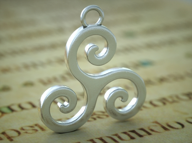 Triskele Pendant in Polished Silver