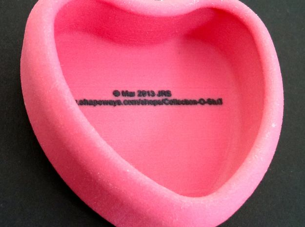 "Candy Heart ""Ditto!"" - Pink/Yellow 3d printed Profile of the back"