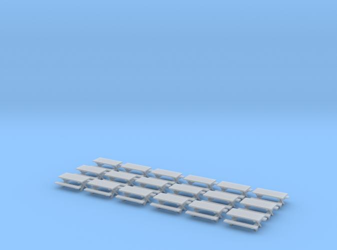 18 Picnic Tables Z scale