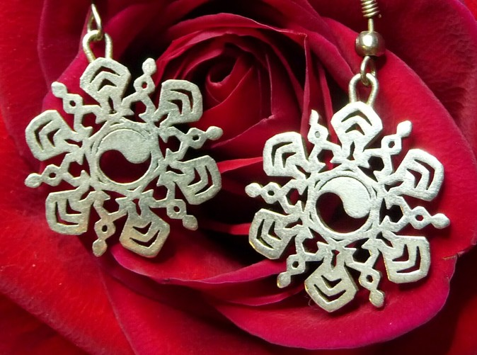 Yin Yang Snowflake Earrings in Polished Silver