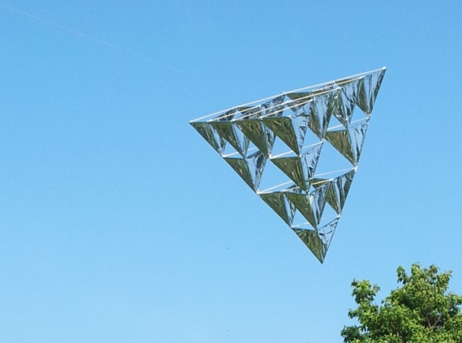 16 Cell Tetrahedral Kite skinned with mylar and 25cm 3mm bamboo skewers
