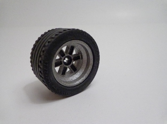 Wheel Design V 3d printed The painted product fitted with the appropriate Lego tire.