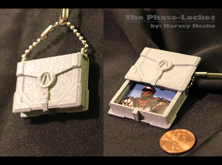 The Phase-Locket (6cm) 3d printed First print of product. Badass photo not included. (Scale of 4cm shown here)