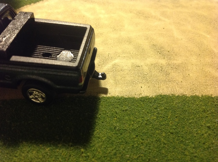 1/64 MOTORMAX F250/F350 Greenlight Trailer Hitch 3d printed Finished product, glued to the bottom of the truck
