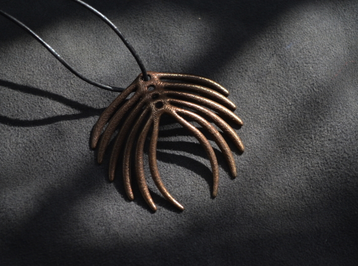 Abstract Feather Pendant 3d printed