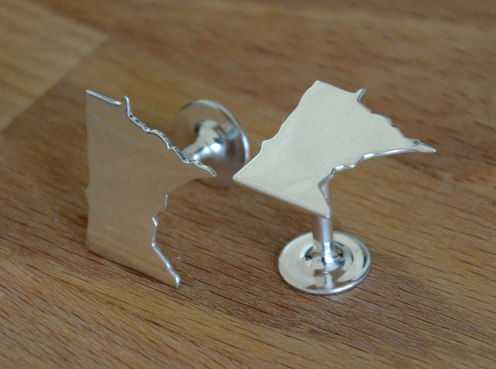 Massachusetts State Cufflinks 3d printed Different state but shows quality and scale. Premium Silver shown.