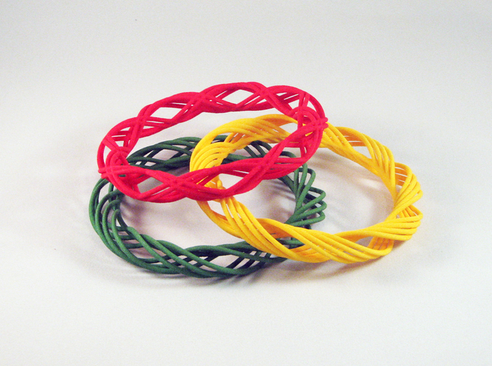 Twist Bangle C02M 3d printed