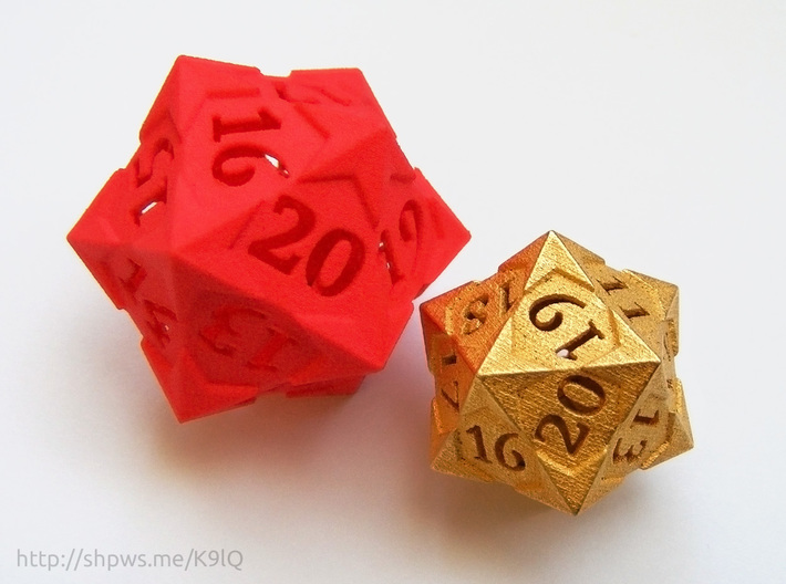 'Starry' D20 Spindown Life Counter Die 3d printed A size comparison between this version and the larger version printed in plastic.