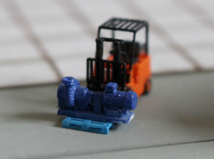 Centrifugal Pump #2 (Size 2) 3d printed Centrifugal Pump #2 size 2 on an N scale pallet+forklift