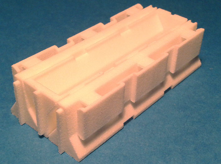 1/50 Jersey Barrier (10 ft/3m) [3 Pack] 3d printed Printed barriers and blanking plates on the sprue.