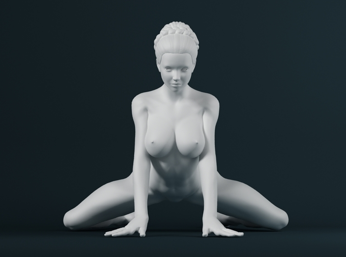 1:32 Strong Woman 003 3d printed