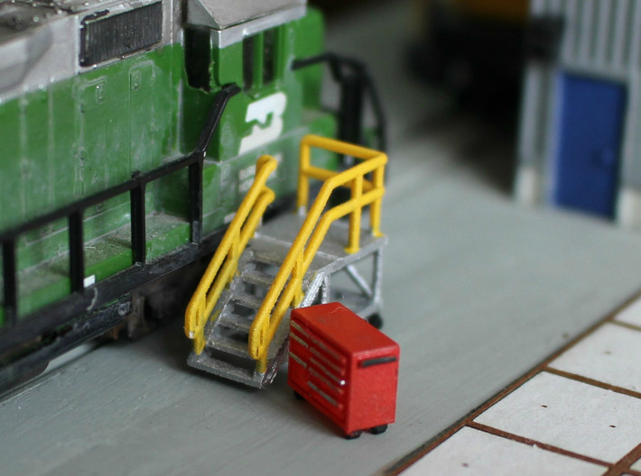 HO Scale 2x Snap-On Toolbox 3d printed This model in N Scale (1:160)