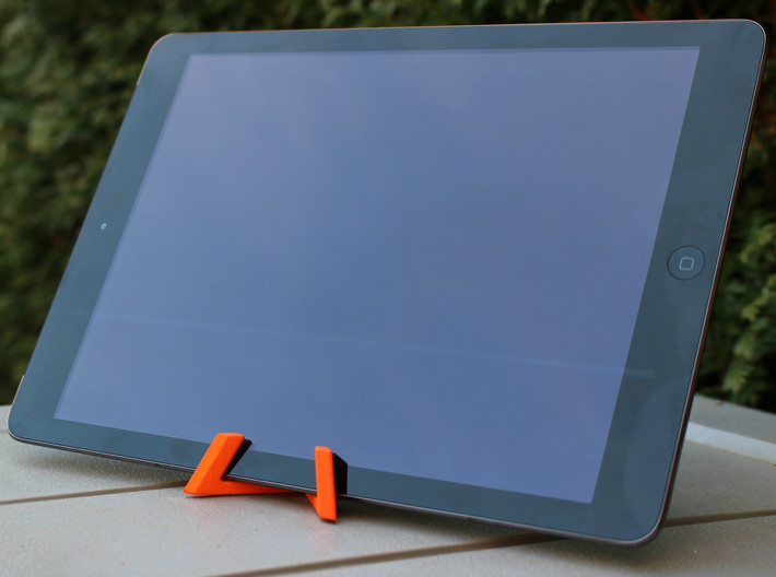 Universal Tablet + Smartphone Stand 3d printed iPad air 2 on stand