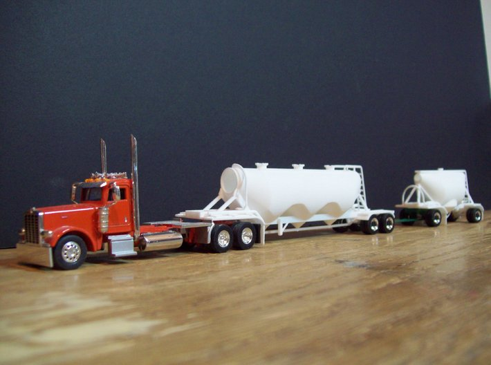HO 1/87 Shorty Dry Bulk Trailer 07a (pup & dolly) 3d printed Mike Ozosky has used the pup with one of my 1040 trailers, but made a different dolly design.