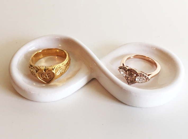 Couple's Infinity Symbol Ring Dish 3d printed