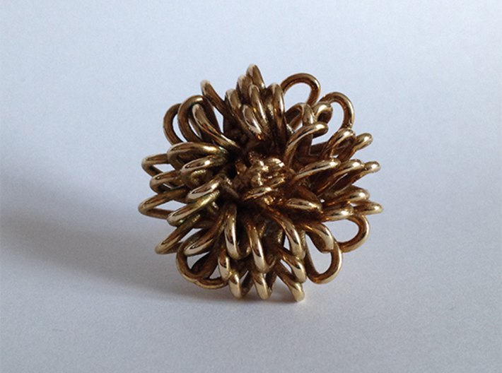 Ring 'Wiener Blume', Size 5 (Ø 15.6 mm) 3d printed 3D printed in 'Polished Brass'. Photographed with an Iphone 4S at daylight, no additional filters or lighting. The ring is a few months old and is starting to get a nice antique finish.