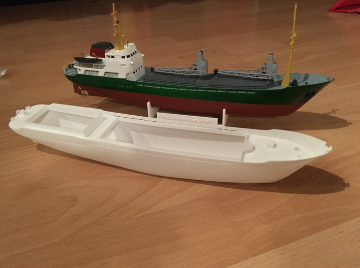 Coaster 840, Hull (1:200, RC) 3d printed hull and completed model