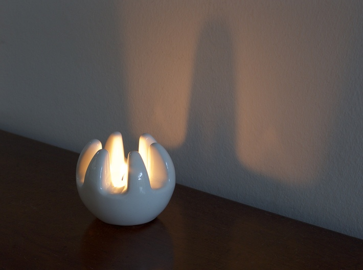 The Claw - Tea Light 3d printed The Claw
