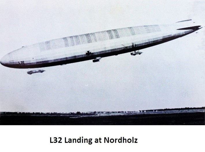 Zeppelin R Type with stand 1/1250 scale (FD) 3d printed L32 coming in to Norholz