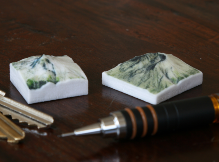 Mt. St. Helens, Wash., USA, 1:250000 Explorer 3d printed Photo of Mt. Hood and Mt. St. Helens at 1:250000