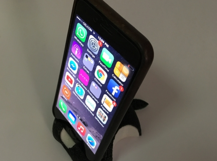 iPhone 6S/6S Plus Dock-Black 3d printed Photo of iPhone 6S with casing dock on PLA and Flex printed product.