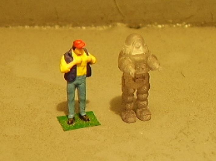 Rob-Bot V3 1-87 3d printed Standing next to a stock HO scale figure.