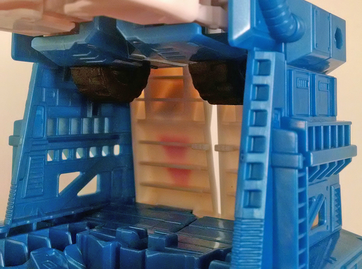 Ultra Magnus Arm Wheels (Shallow Version) 3d printed Storage in vehicle mode. WSF + paint.