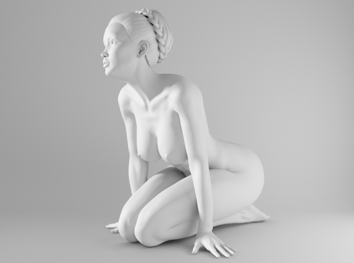 1/10 Sexy Girl Sitting 013 3d printed